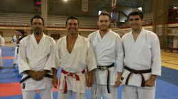 Sensei César Capitán con los representantes de Kidokan