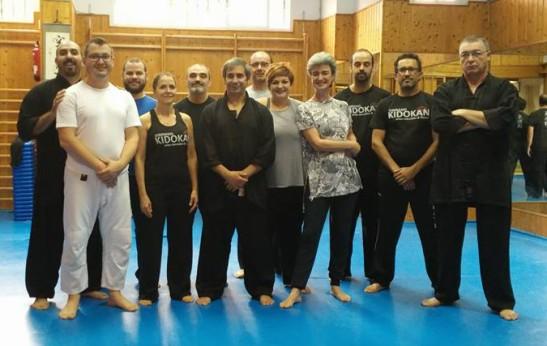 Foto de grupo de los asistentes al Curso de Tui Shou impartido por el maestro José Navarro en el Gimnasio Kidokan de Sevilla Este