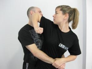 Cuando uno ha practicado artes marciales, está más preparado para defenderse que si no las hubiese practicado